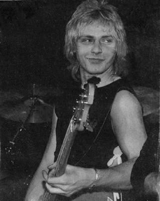 Benjamin Orr's Son http://ledeblocnot.blogspot.com/2012/11/the-cars-heartbeat-city-1984-par-philou.html