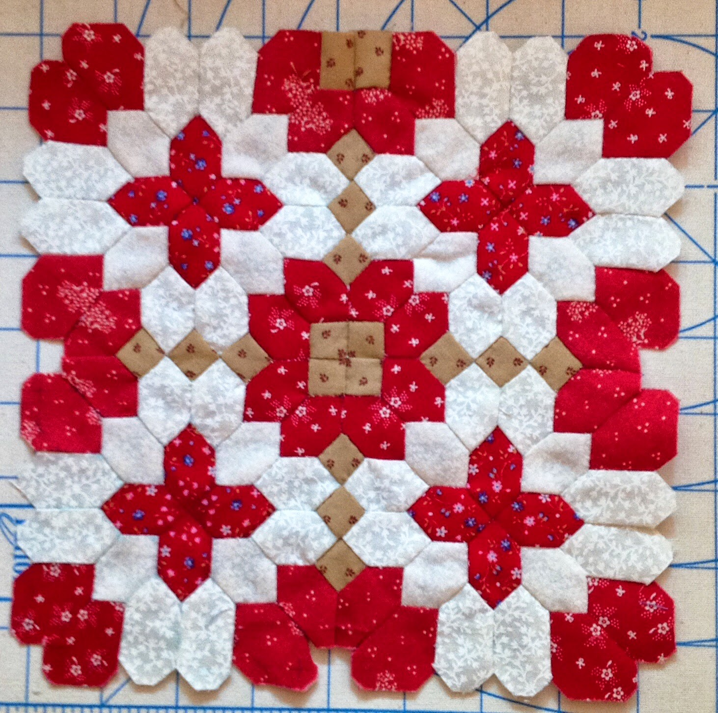 Hand Piecing Patchwork Of The Crosses