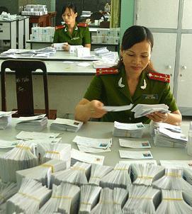 Công an TPHCM: Khối lượng công việc rất lớn của cán bộ chiến sĩ làm công tác tàng thư CMND