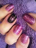 http://cathenail.blogspot.fr/2012/12/accent-nail-diamant.html