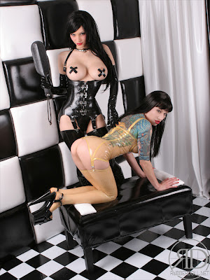 Kinky Latex Lesbians Spanking Session