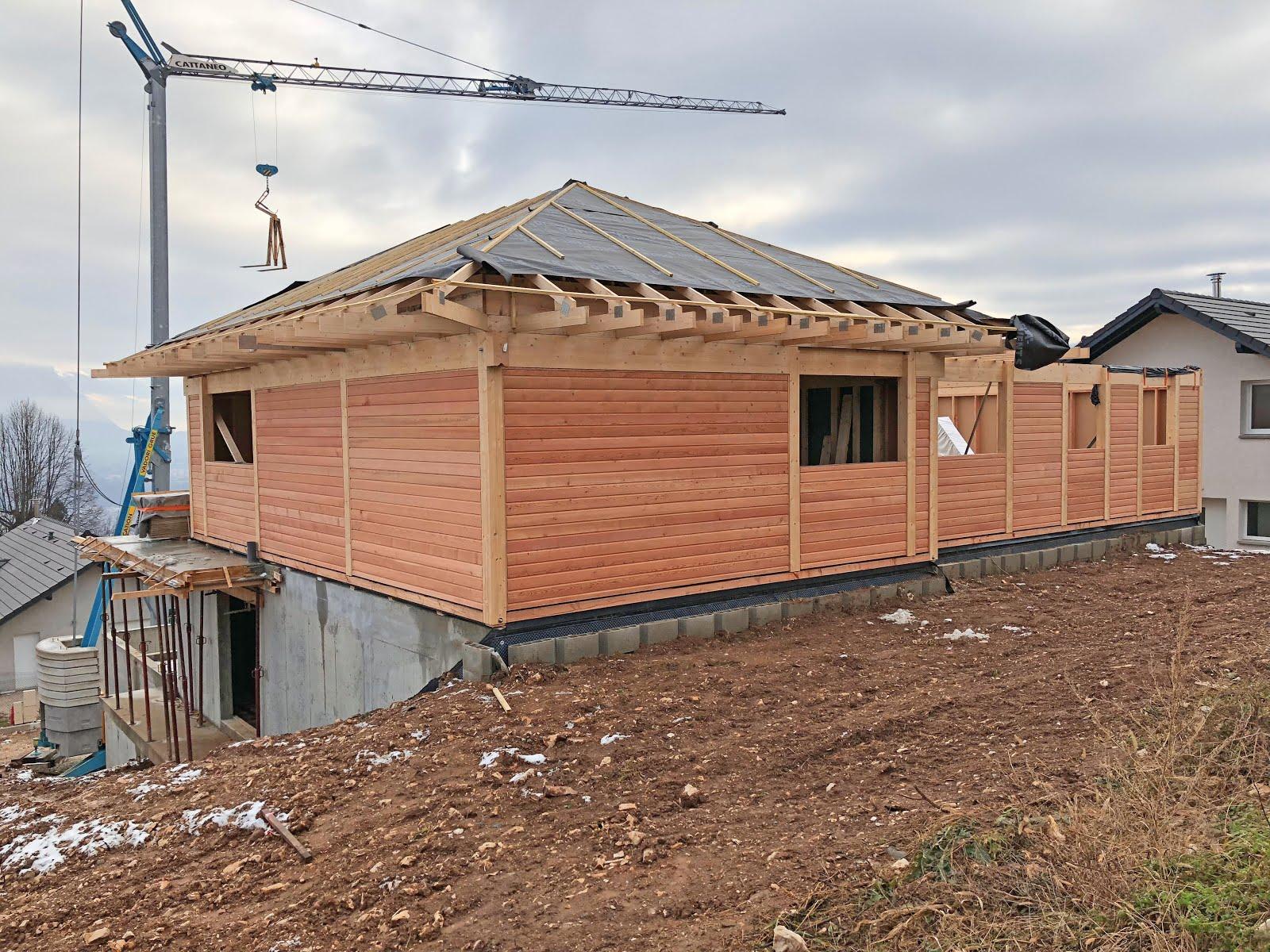 Très Construction maison ossature bois poteaux-poutres en Savoie PG87