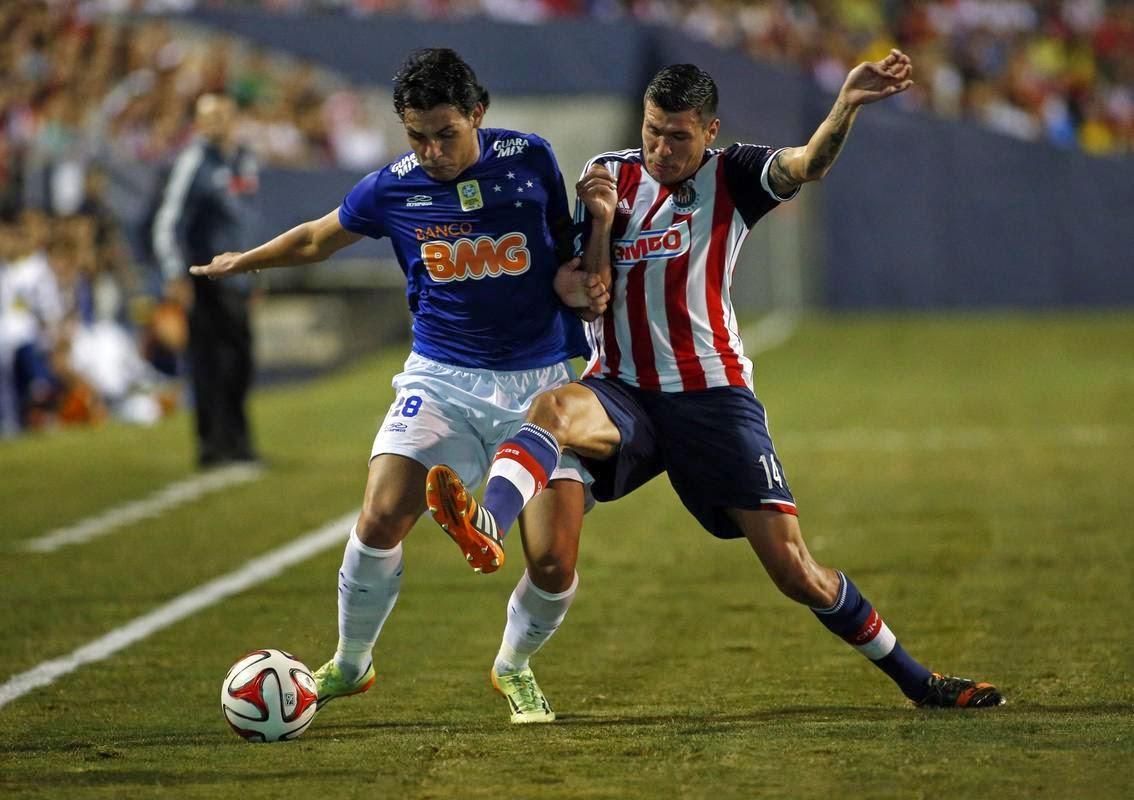 Guadalajara pierde ante Cruzeiro en el Sun Bowl de la Universidad de Texas en El Paso.