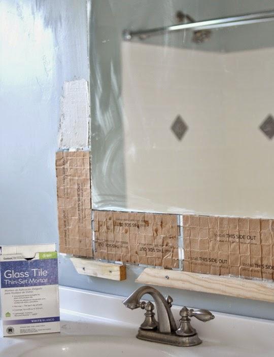 Diy espejo mosaico para cuarto de ba o cocochicdeco for Lechada azulejos bano