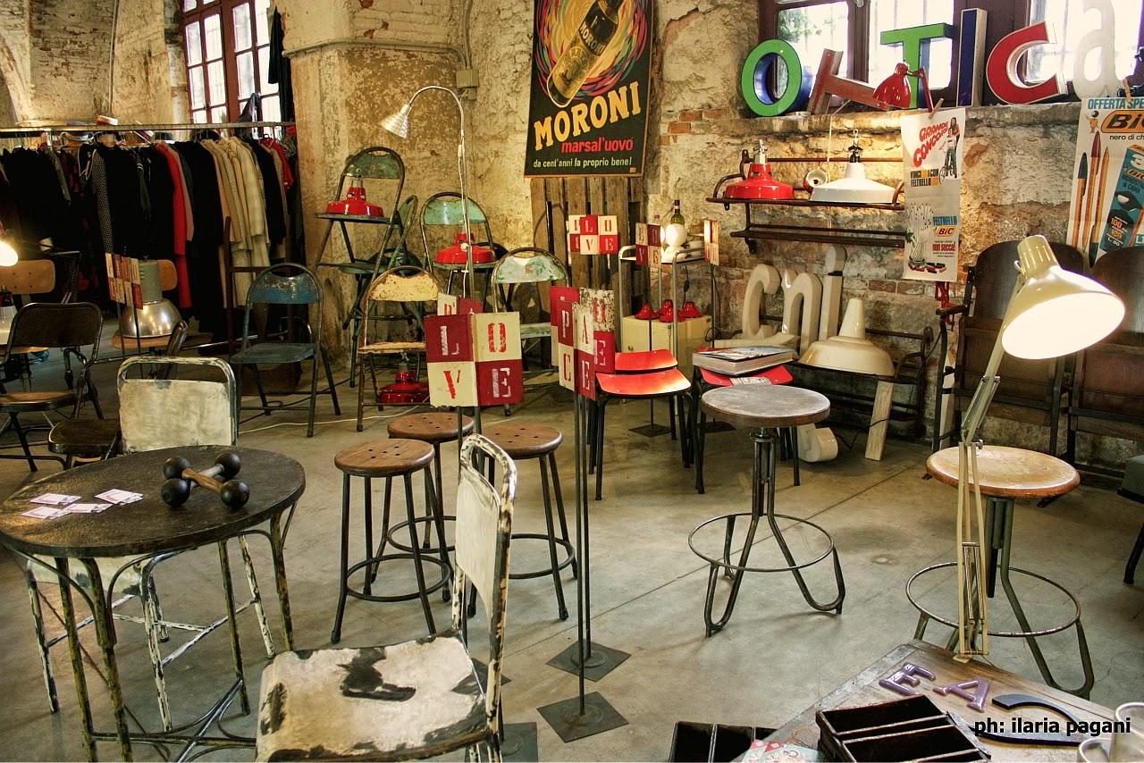 Negozi Arredamento Vintage Roma. Arredamento Per Negozio In Legno A ...