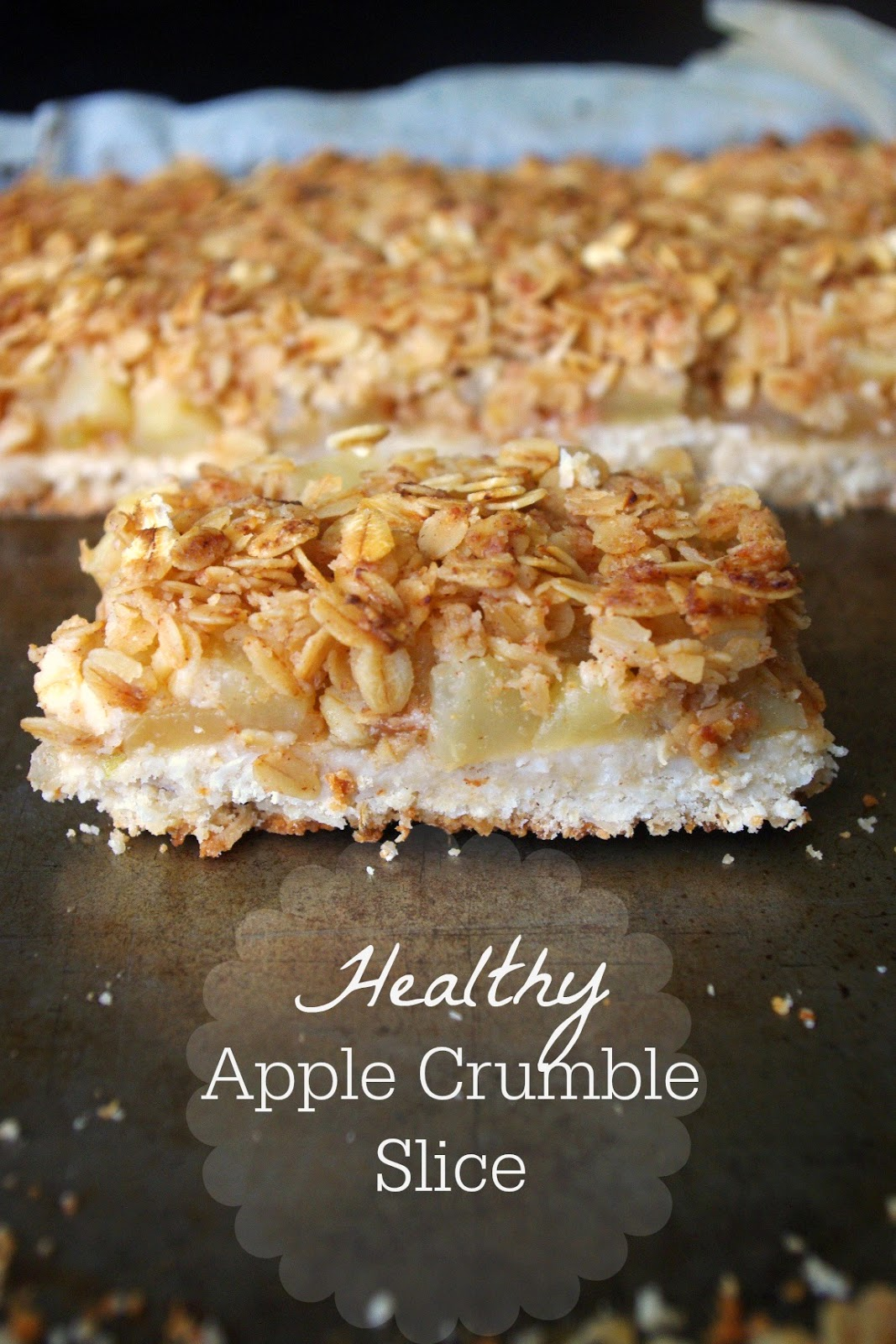 Healthy apple crumble slice