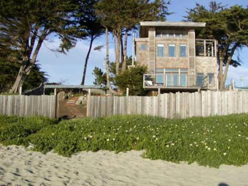 Coastal beach house with a tree top style