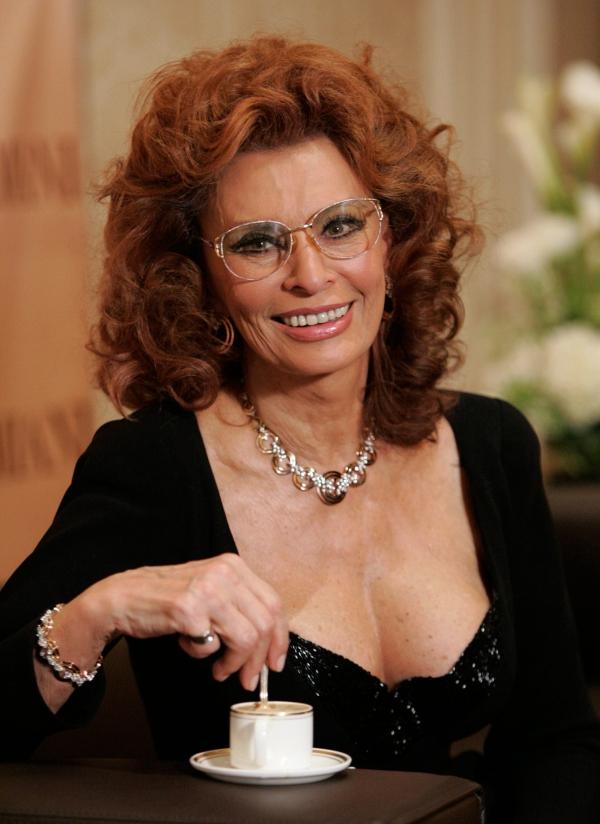 i wear glasses and i consider them a fashion accessory - Sophia Loren Hair Color