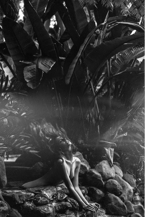 Faith Picozzi modelo ruiva fotografia artística nudez preto e branco sensual nua