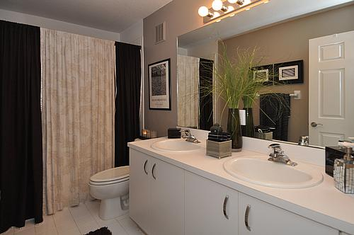 Focal point styling rental restyle small bath space for Small guest bathroom ideas