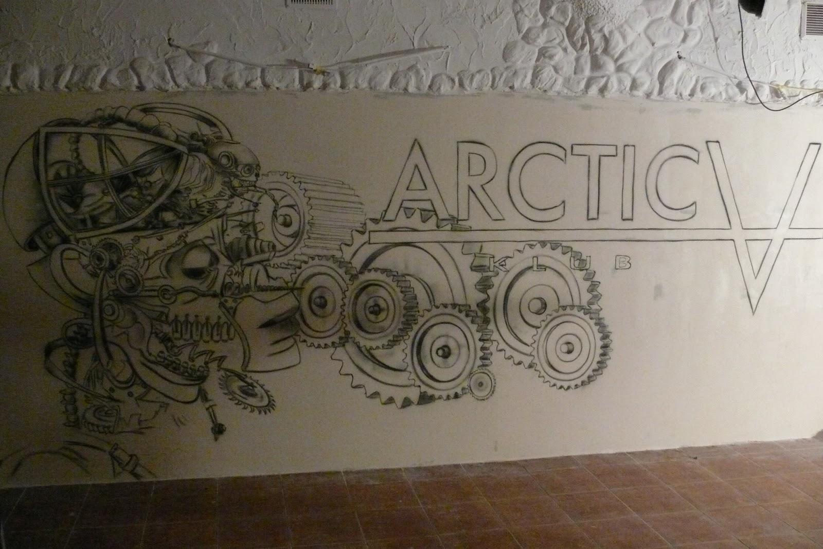 Niesamowity klub w Płocku Arctica, malowanie graffiti, aranżacja ścian w klubie