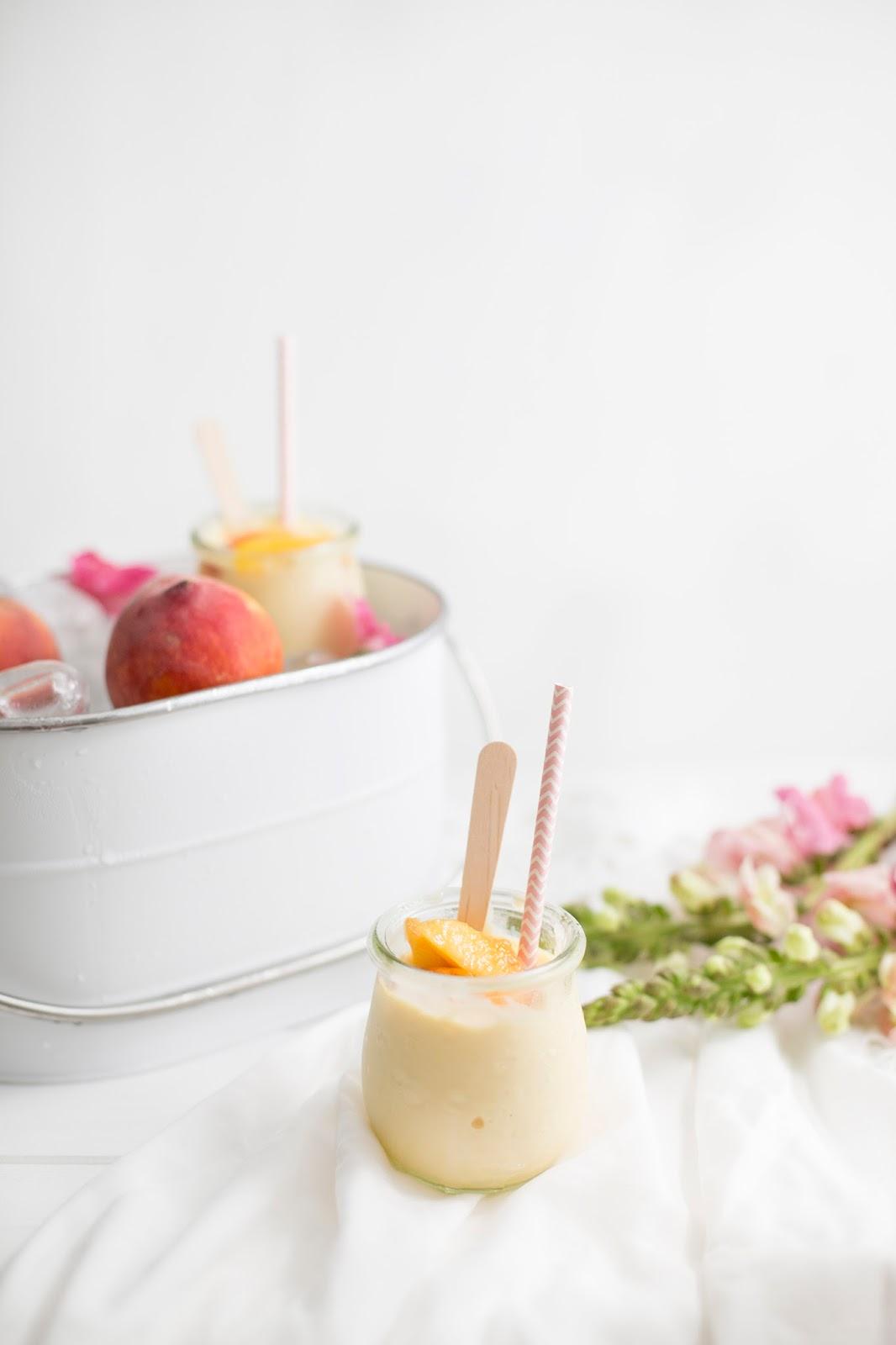 Frozen Yoghurt oder auch Pfirsich-Nektarinen-Lassi