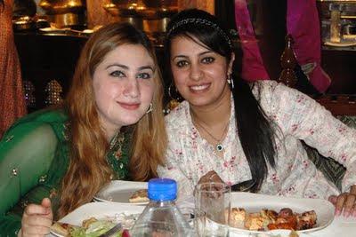 Farzana Naz & Urooj Mohmand Dubai Trip 2011 Celebrities Pictures