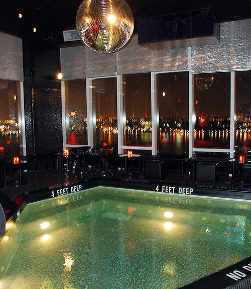 Bright lights my city le bain pool and roof bar opens for Bain new york