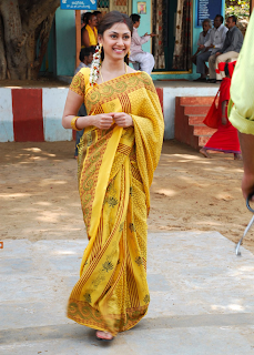 manjari hot picin yellow saree