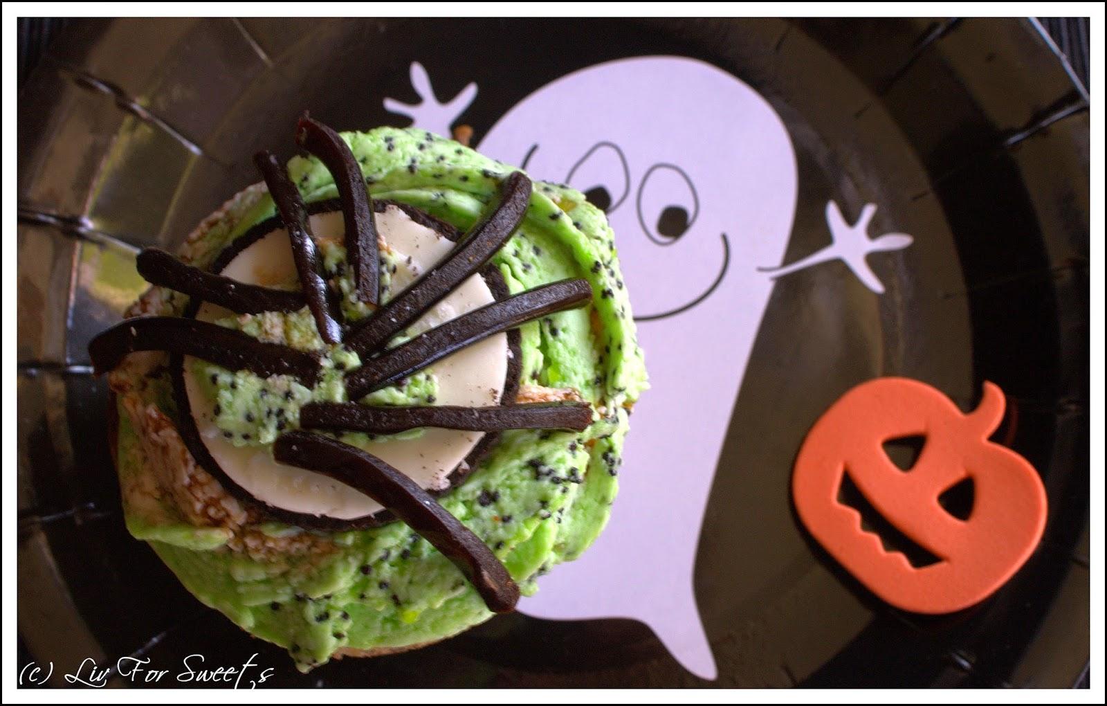 Cupcake-Topper Spinne aus Keks und Lakritzschnecke, Rezept, Anleitung, Halloween, Thermomix