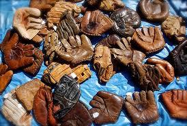 http://2.bp.blogspot.com/-LMMl5giqQuU/TVsXFel_uFI/AAAAAAAAK1s/CioBHtoVHnA/s400/gloves.jpeg