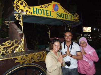 วันที่ 1 เดินทางจากกรุงเทพฯ / หาดใหญ่ สู่กัวลาลัมเปอร์ และต่อเครื่องไป Surabaya