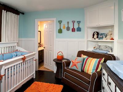 Habitación bebé alegre y colorida