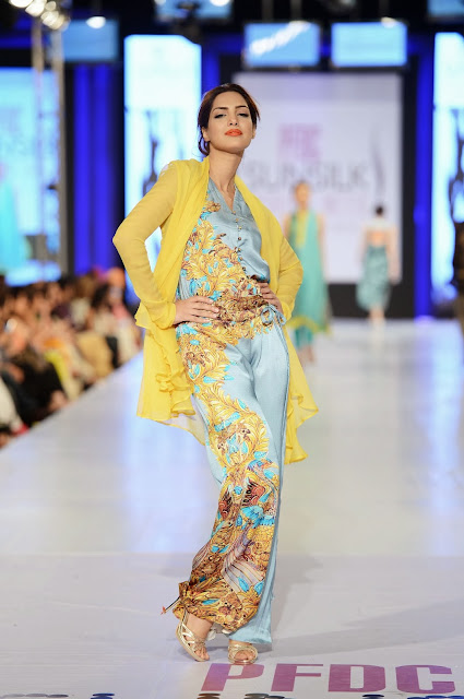 Nida Azwer at Pakistan Sunsilk Fashion Week 2013