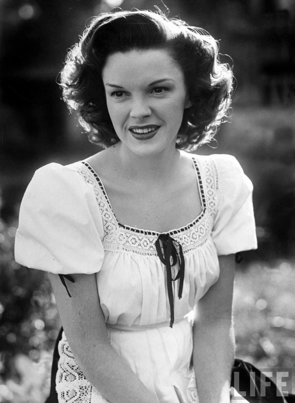 JudyGarland_1944.jpg