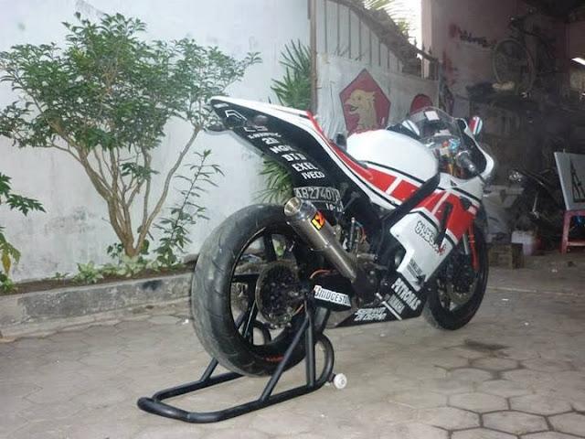 Modifikasi Yamaha Vixion Ala M1 Buritan