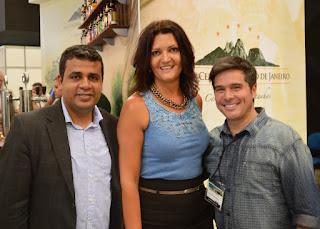 Secretários de Governo, Alex Castellar, e de Turismo, Cléo Jordão, com o presidente da ACCERJ-Tur, Mozart Rodrigues: união pelo fortalecimento do turismo cervejeiro