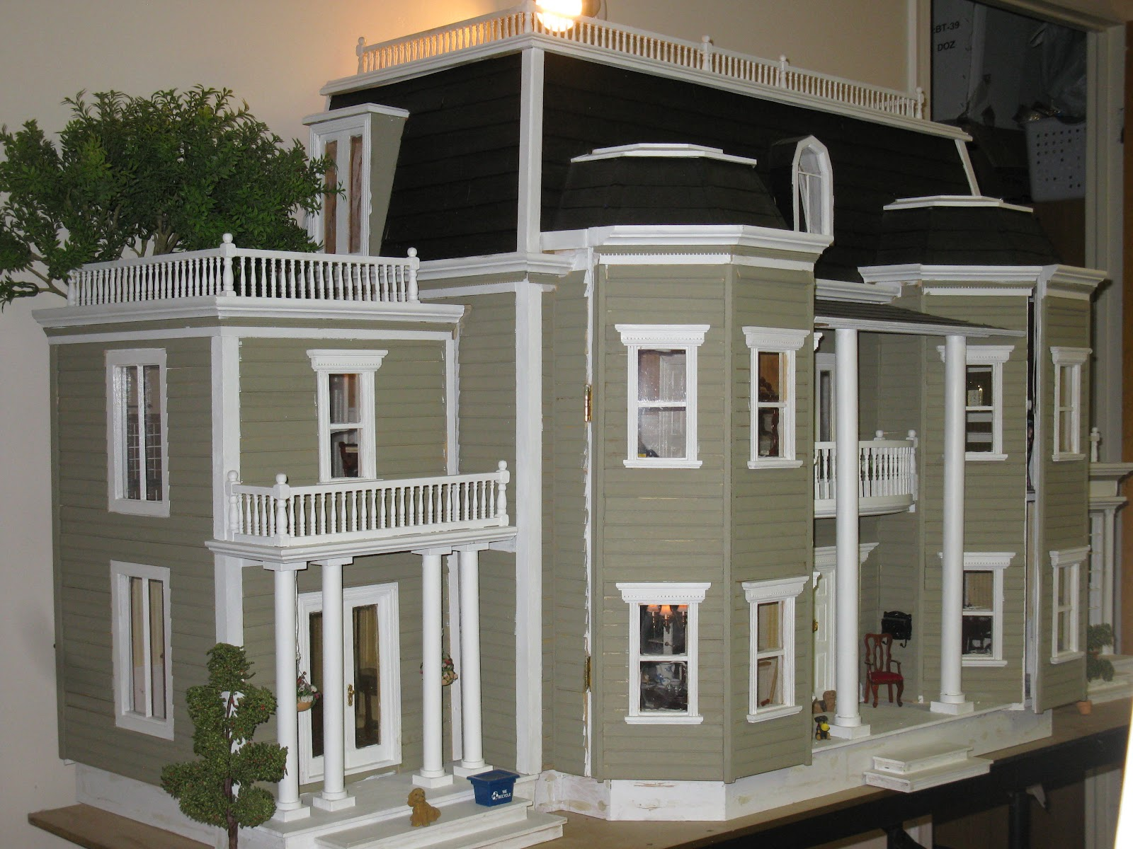Late Victorian English Manor Dollhouse: 1/12 Miniature from Scratch: Boy's Bedroom and past projects