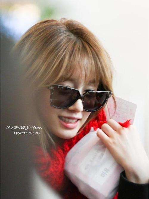 Park JIYEON AIRPORT FASHION STYLE