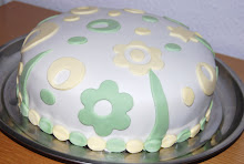 Virágos fondantos torta