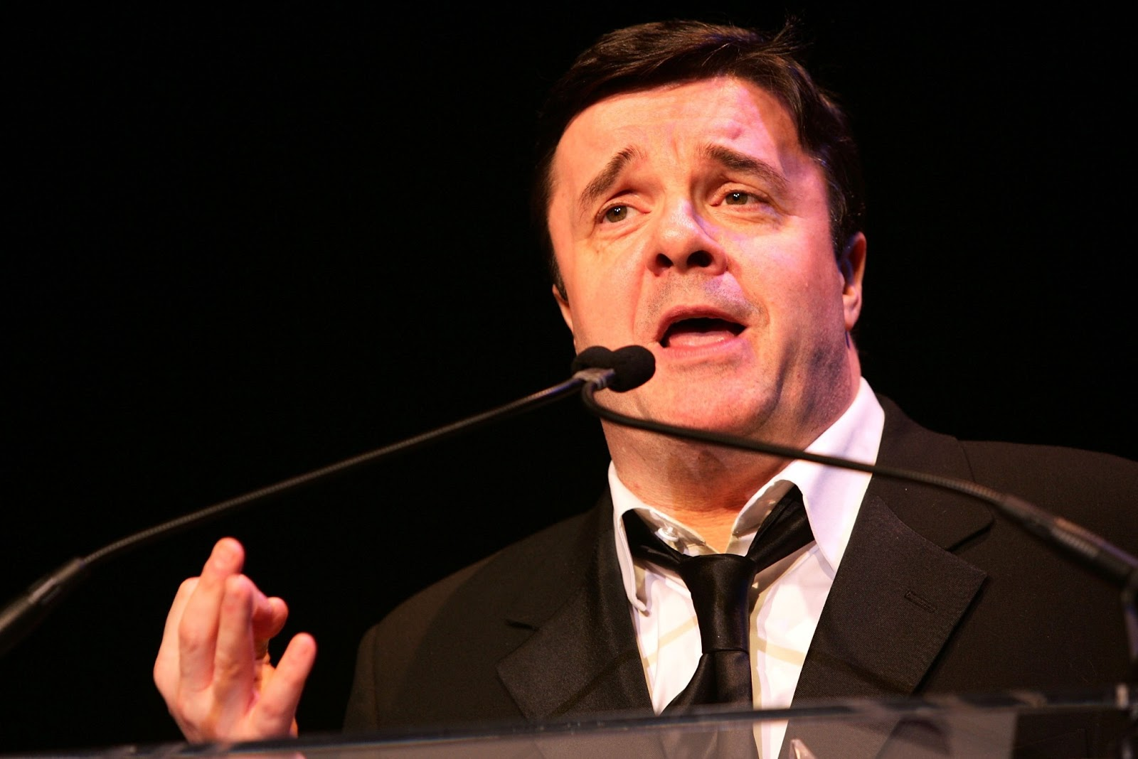 nathan lane 2014/8/12  nathan lane and robin williams made comedy history when they co-starred in the 1996 film the birdcage, the hit film version of the much-adapted french play la cage aux folles they played domestic partners, williams as the owner as a drag club and lane as its histrionic star in a statement to time.