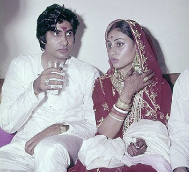 Wedding Pictures Of Bollywood Stars http://aweddingpics.blogspot.com/2011/08/bollywood-stars-wedding-pictures_04.html