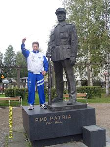 Savuton ja raitis suojeluskunta-arvoin vapaan Suomen puolesta