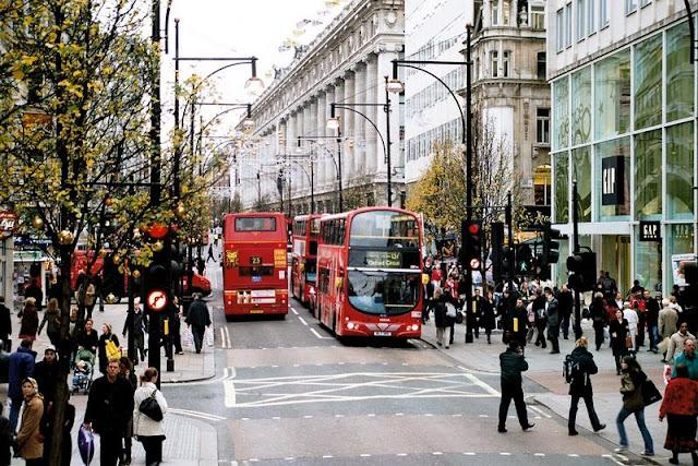 Peluang melancong secara percuma ke negara eropah, london dan paris dengan bisnes premium beautiful corset tour with double decker bus