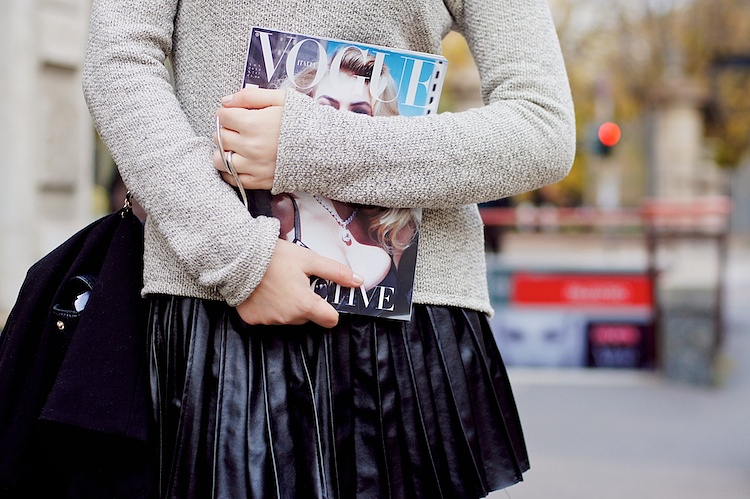 Streetstyle pleated skirt vogue