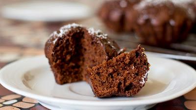 шоколадови мъфини със заливка