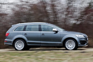 new Audi Q7 V12 TDI side view