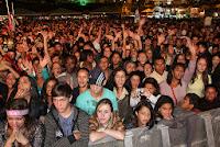 Milhares de pessoas lotam o Parque de Exposições para assistir a dupla Bruno e Marrone