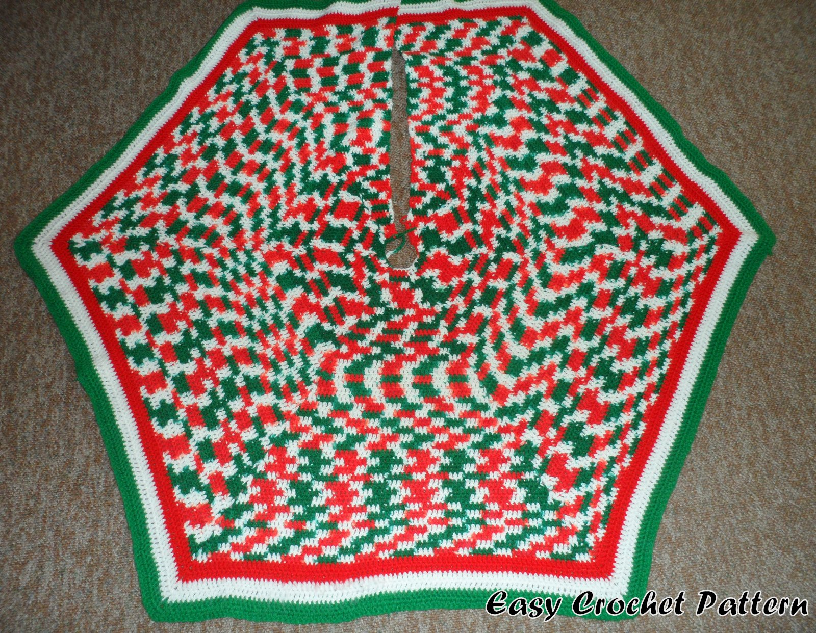 Easy Crochet Pattern: Easy Crocheted Hexagon Christmas Tree Skirt