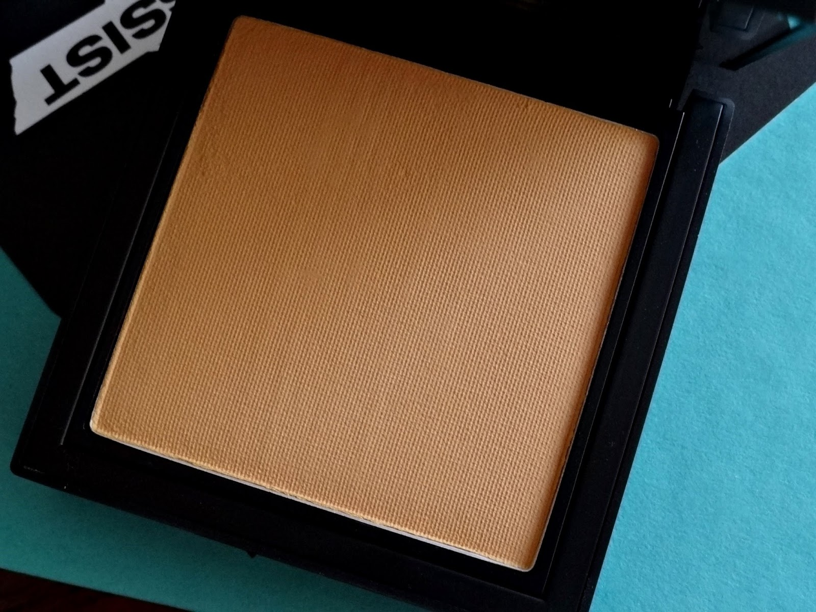 NARS All Day Luminous Powder Foundation | Barcelona and Stromboli