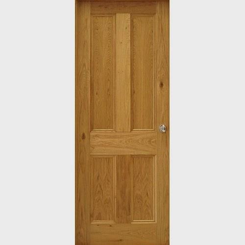 cánh cửa gỗ chính