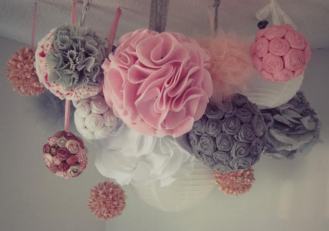 Mas pompones - Como hacer pompones para decorar fiestas ...