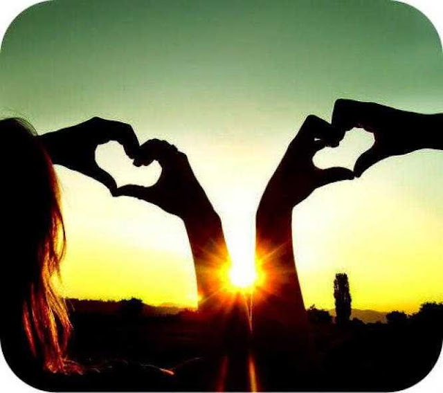 Gambar Orang Jatuh Cinta