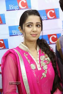 Charmi-Stills-at-Big-C-Store-Launch