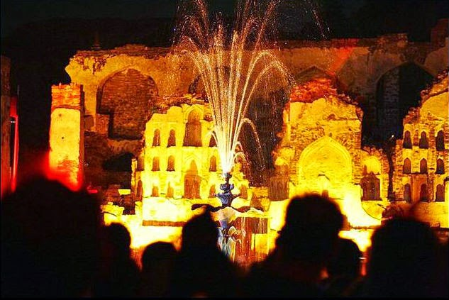 Light and music show in the pavallion