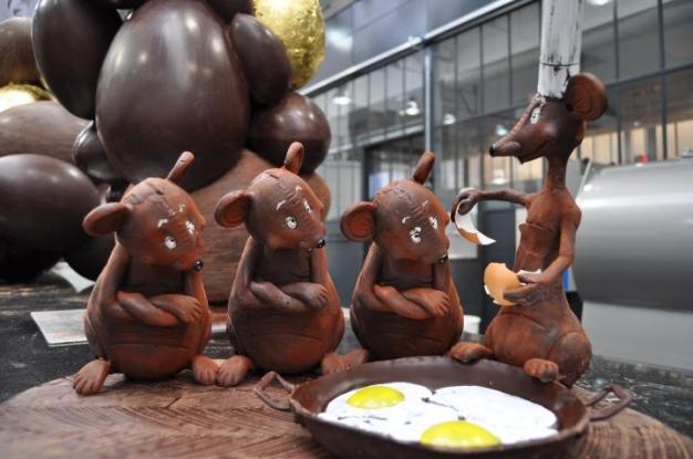 Nos petits freres les animaux sculptures de patrick roger en chocolat - Sculpture en chocolat patrick roger ...
