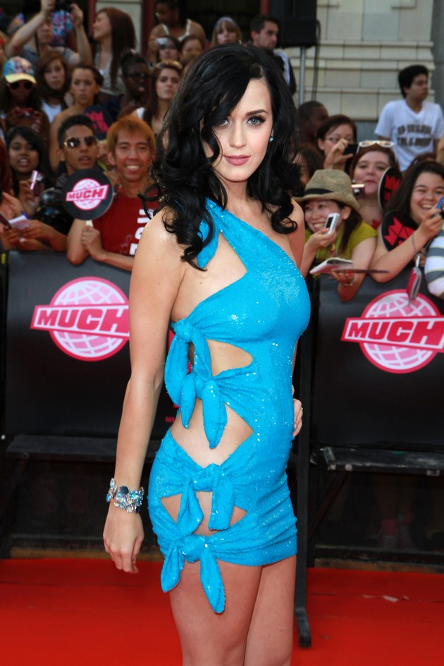 Celebs In Skin-Tight Dresses That Might Smother Them.