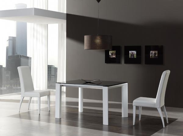 Mesas de comedor lacadas for Mesas de comedor cuadradas modernas