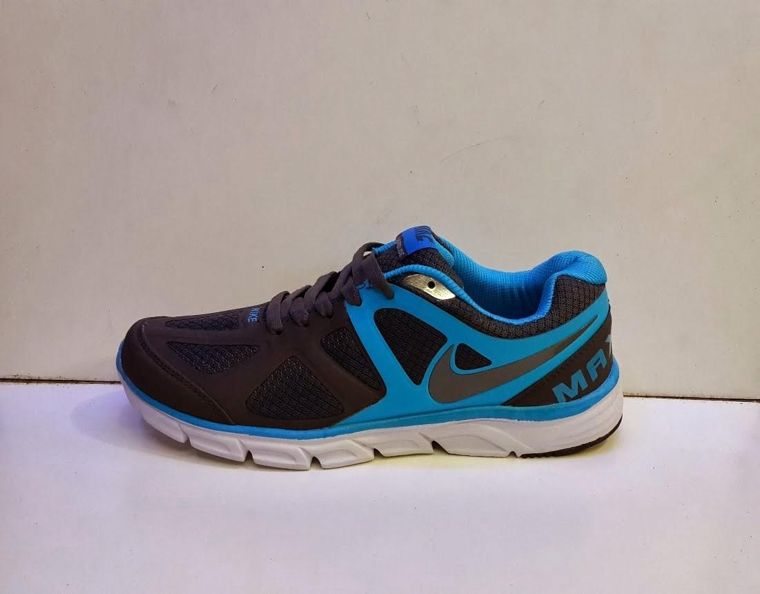 Sepatu Nike Lunarglide hitam