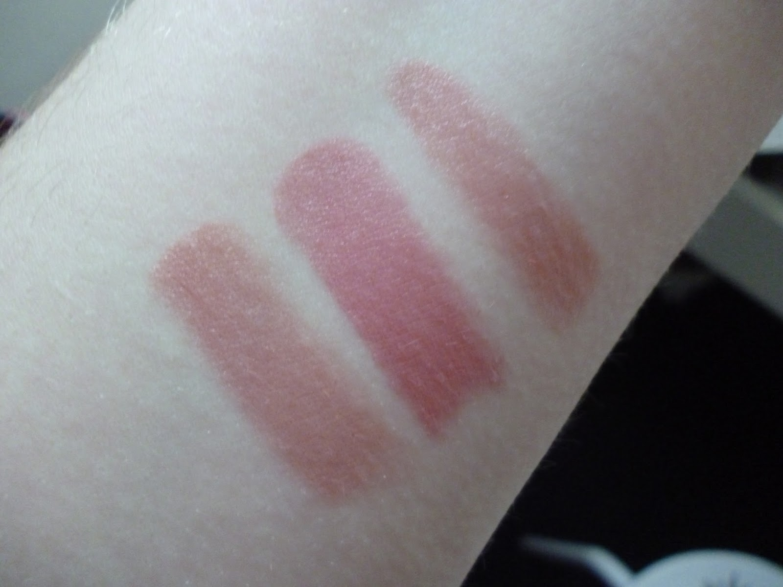 new lip products from Bourjois for spring 2015 swatch